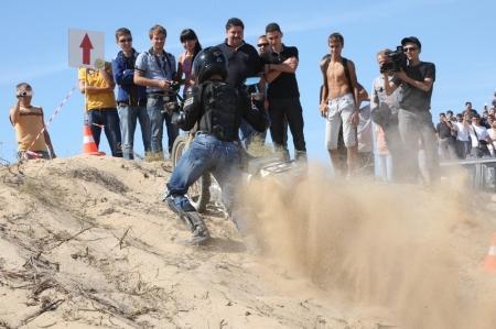 В Актау проходят соревнования по ралли-кроссу