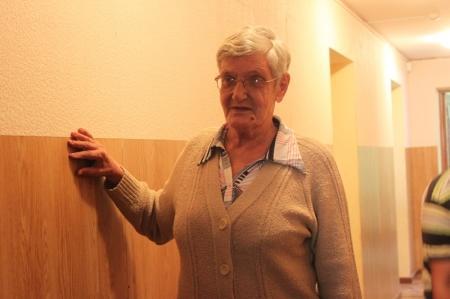 В Актау слепую пенсионерку снова приняли в Центр адаптации и пообещали помочь с документами