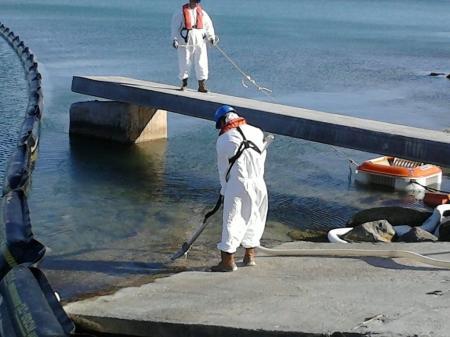 Учения по ликвидации разлива нефти в акватории Каспийского моря