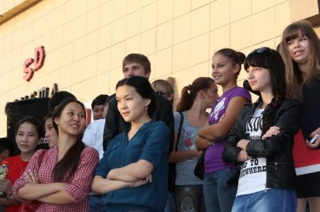 В Актау прошел флешмоб в поддержку креативной молодёжи
