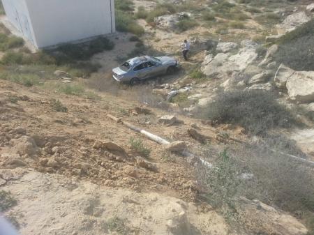 На спуске пятого микрорайона Актау перевернулась машина