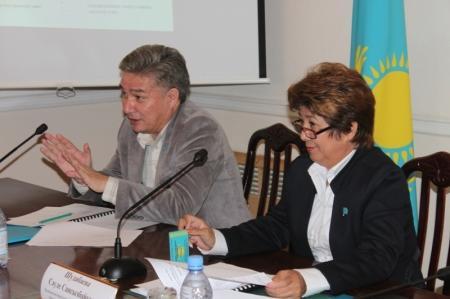 """Борис Филиппов: """"Без воды могут остаться 11, 12 и 14 микрорайоны Актау"""""""