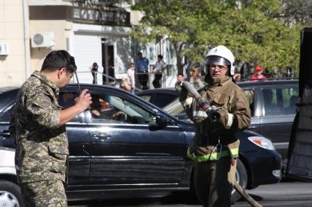 В пятом микрорайоне Актау сгорел автомобиль
