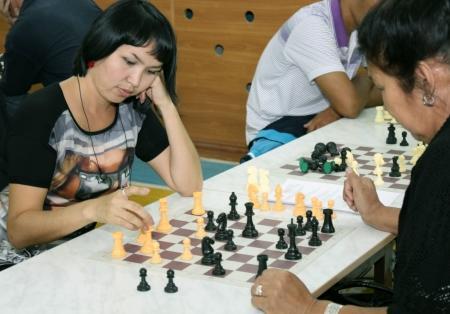 В Актау проходит спартакиада среди педагогов средних школ