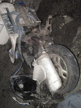 На автодороге Мангышлак-Баскудук погиб 22-летний водитель мотороллера