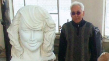 Казахстанский скульптор изваял шестиметровую Жанну Фриске