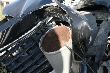 В 14 микрорайоне Актау автомобиль  «Chrysler» сбил фонарный столб