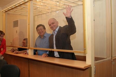 До и после приговора Владимиру Козлову