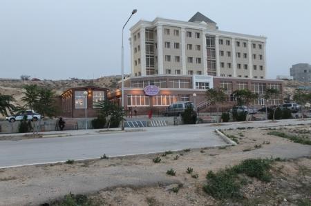 В Актау на набережной стреляли (Добавлено видео)