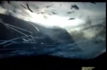 Видеорегистратор зафиксировал, как водитель «Мереседеса» сбил пешехода, совершил несколько ДТП и погиб