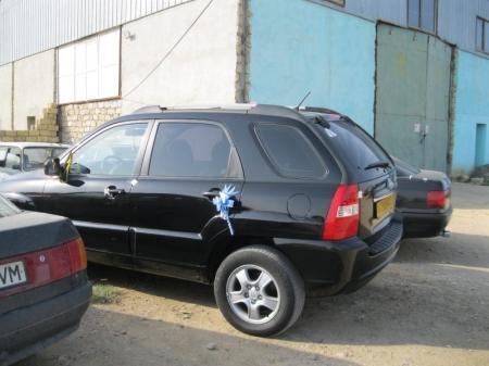 В Актау дорожные полицейские все чаще наказывают водителей свадебных кортежей, допускающих нарушения ПДД