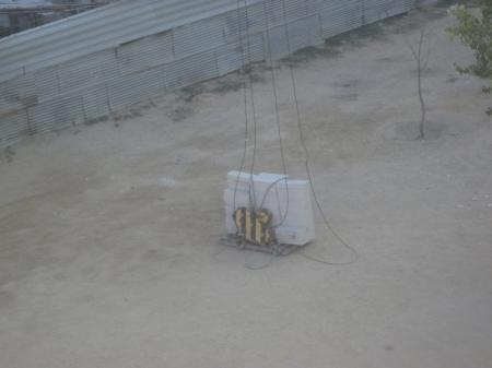В Актау строительство элитного дома «Заветная мечта-1» подвергает опасности жизнь детей соседнего дома