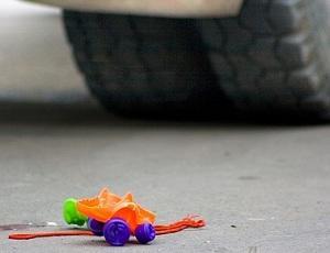 В Актау полиция разыскивает водителя, сбившего насмерть годовалого ребенка