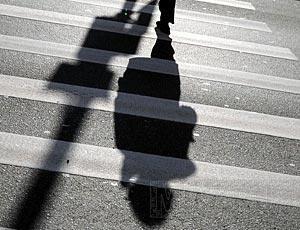 В Жанаозене под колеса автомашины попал семилетний мальчик