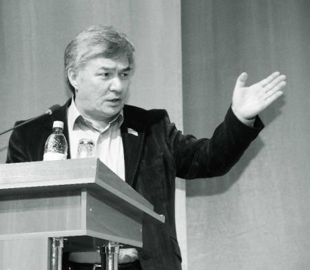 Марат Молдагулов предложил Актаускому «человеку-пауку» пойти работать в МЧС