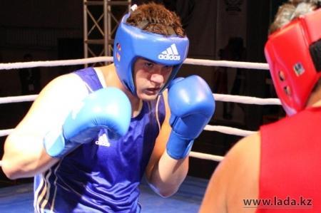 Мангистауские боксеры привезли из Талдыкоргана одну золотую и две бронзовые медали