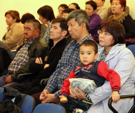 Начальник УВД Актау проводит встречи с учителями и родителями школьников