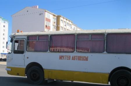 В Актау пьяный водитель школьного автобуса собирался выйти на линию