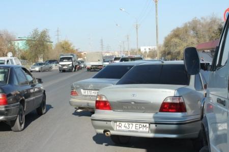 В Актау  за нарушение правил парковки в течение одного часа оштрафованы более 40 водителей