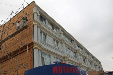 В Актау рабочие комиссии принимают дома после капитального ремонта