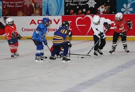 Актауская детская команда по хоккею «Caspiy», привезла из Атырау бронзовые медали