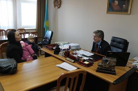 Жители Актау обратились к депутатам маслихата  за помощью в разрешении проблем с КСК