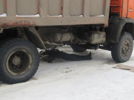 В Жанаозене под колеса «Камаза» попал 11-летний школьник