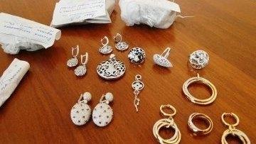 Ювелирные изделия на сумму 23 млн. тенге похитили из машины у жительницы Кокшетау