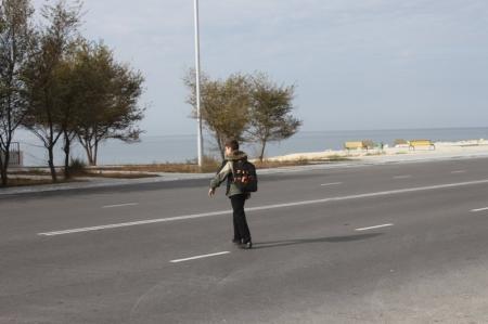 Жительница Актау считает, что прежде чем штрафовать пешеходов за нарушение ПДД, нужно создать для них нормальные условия