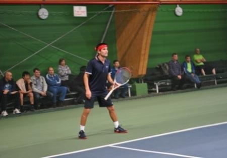 На чемпионате Казахстана по теннису среди любителей спортсмен из Актау завоевал серебро