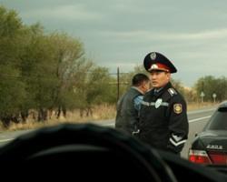 """В Казахстане составили """"прейскурант"""" взяток на дорогах"""
