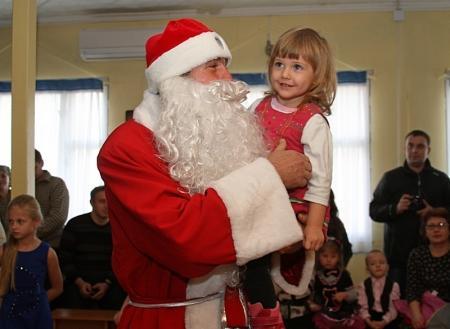 В актауской Благовещенской церкви прошла детская Рождественская елка