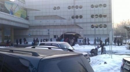 Телефонный террорист задержал 10 рейсов в аэропорту Алматы