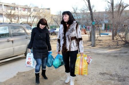В Актау в ходе акции по оказанию помощи малоимущим было собрано 16 продуктовых корзин