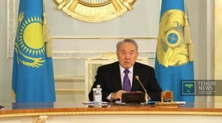 Назарбаев обвинил кланы в нежелании делиться недрами