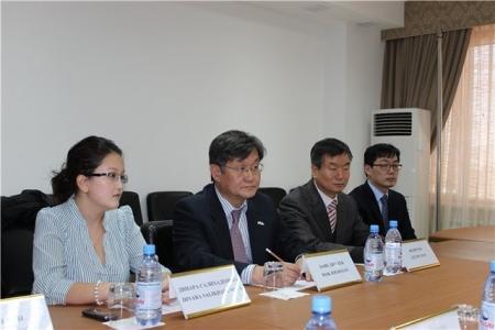 Чрезвычайный и полномочный посол Республики Корея посетил Мангистаускую таможню