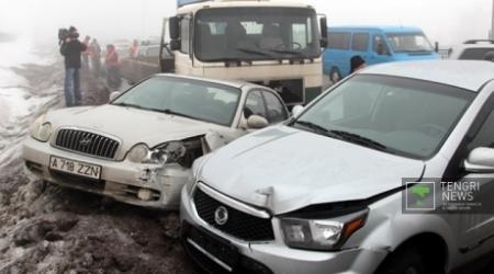 11 авто столкнулись на Восточной объездной дороге в Алматы