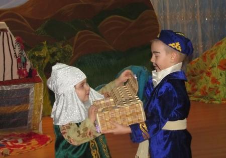 В детском саду №22 города Актау практикуют методику воспитания через театральные постановки