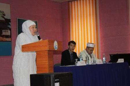 В Актау обсудили проблемы молодежи и религиозных течений
