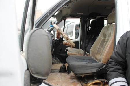 В Актау водитель занимался перевозкой пассажиров, не имея соответствующей категории