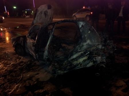 В Актау при пожаре в автомобиле пострадал один человек (ДОПОЛНЕНО)