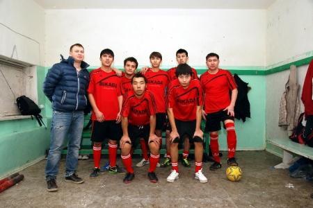 В Актау музыкант организовал мини-футбольный клуб, в котором теперь могут играть те, кто раньше сидел на скамье запасных