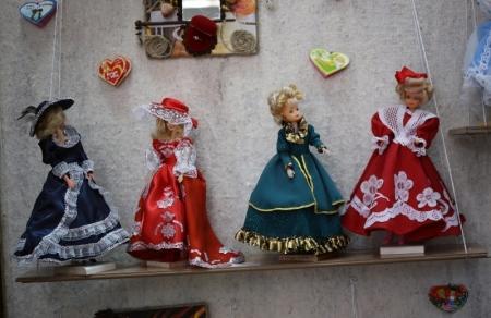 В Актау открылась выставка «Планета кукол» и ярмарка рукотворных чудес «1000 сердечек»