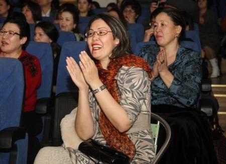 В Актау прошел юбилейный концерт ансамбля танца «Жорга» с участием Розы Рымбаевой