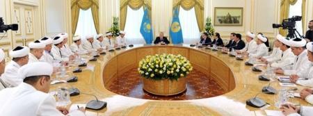 Приверженность исламу не должна быть данью моде - Нурсултан Назарбаев