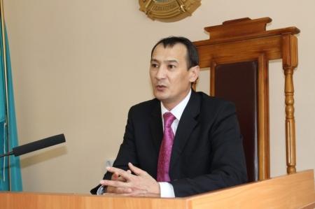 В Актау работники ювенального суда пригласили к себе студентов юрфака