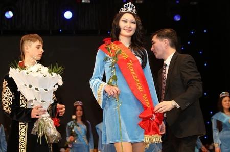 Асем Толеубай завоевала титул «Красавица Актау-2013»