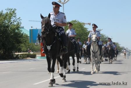 В Актау с 1 марта к патрулю улиц приступили конные отряды полиции