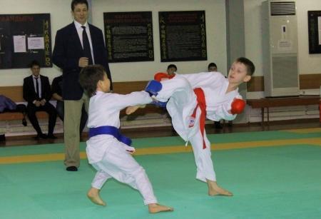 В Актау прошло Открытое Первенство по каратэ – до посвященное празднованию Международного Женского дня
