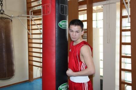 Жанаозенский боксер принимает участие в молодежном чемпионате Азии по боксу